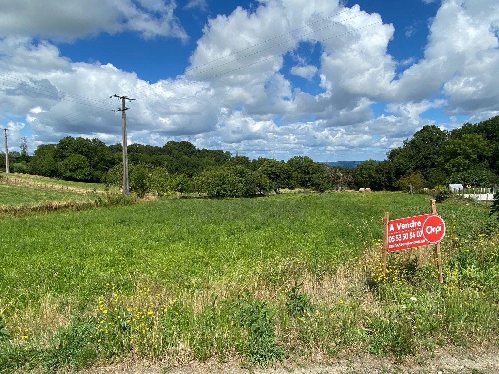 Terrain à vendre 0 1800m2 à Chavagnac vignette-2