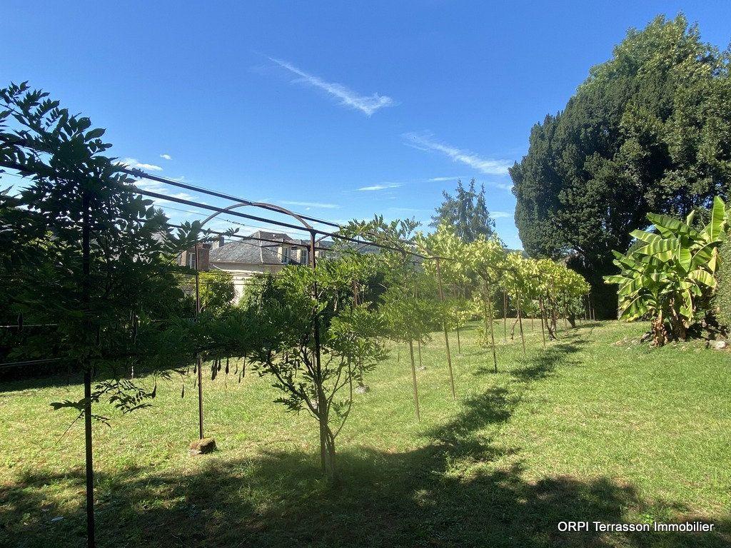 Maison à vendre 9 230m2 à Terrasson-Lavilledieu vignette-4
