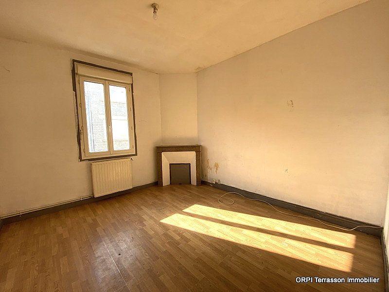 Maison à vendre 5 137m2 à Terrasson-Lavilledieu vignette-2