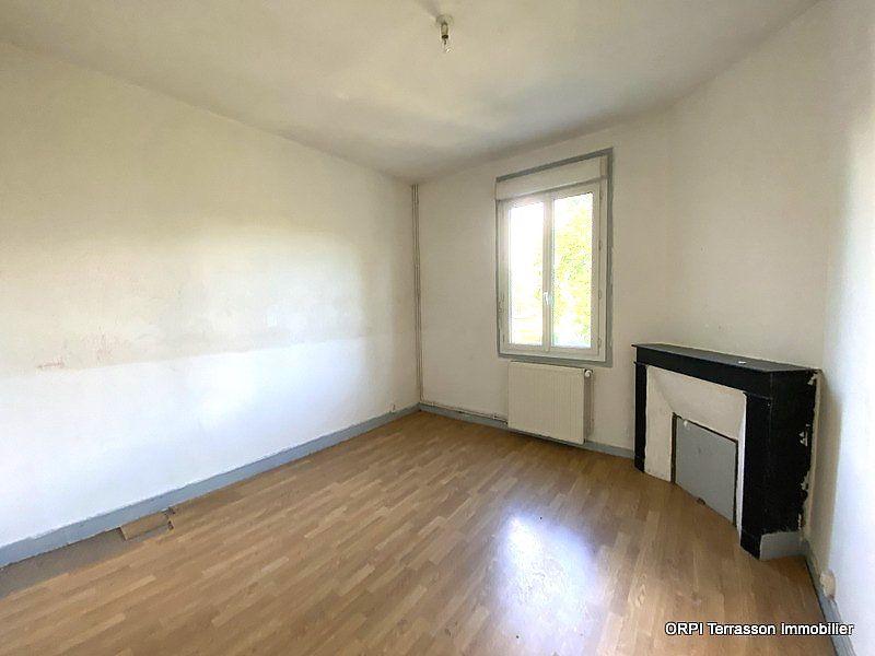 Maison à vendre 5 137m2 à Terrasson-Lavilledieu vignette-3