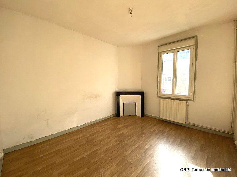 Maison à vendre 5 137m2 à Terrasson-Lavilledieu vignette-4