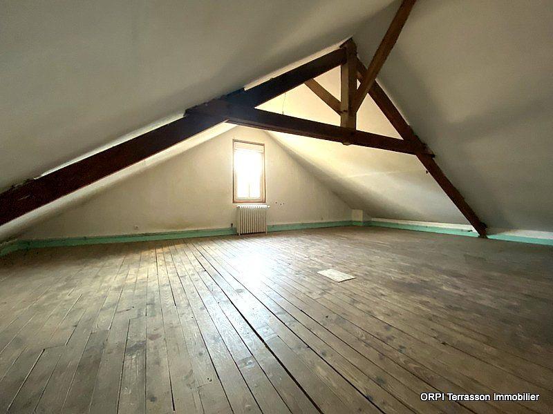 Maison à vendre 5 137m2 à Terrasson-Lavilledieu vignette-5