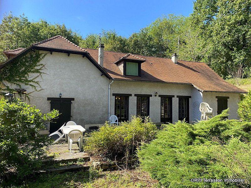 Maison à vendre 4 138m2 à Terrasson-Lavilledieu vignette-1