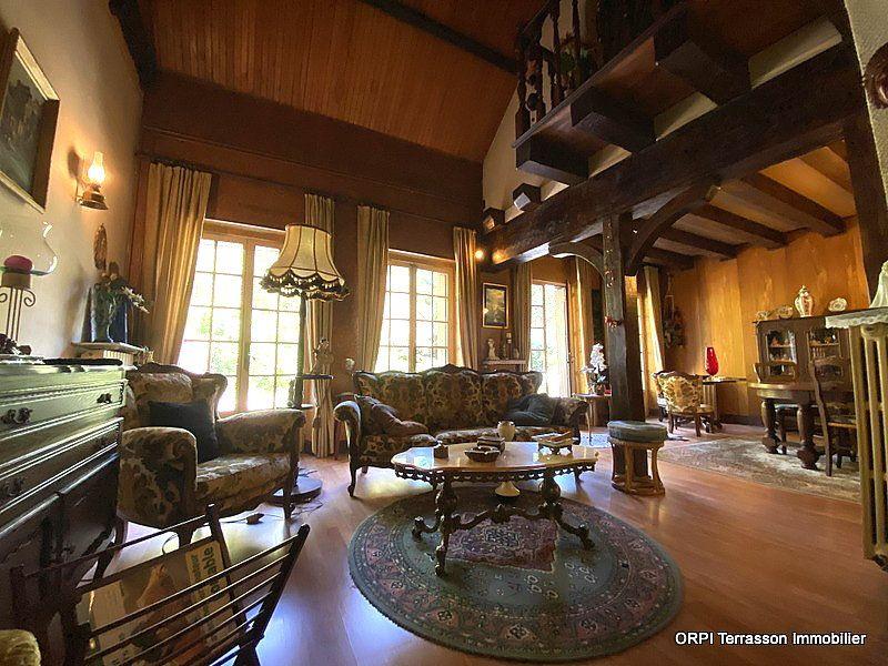 Maison à vendre 4 138m2 à Terrasson-Lavilledieu vignette-3