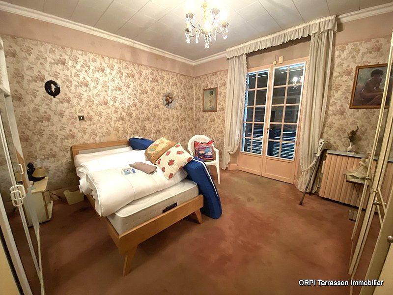 Maison à vendre 4 138m2 à Terrasson-Lavilledieu vignette-4