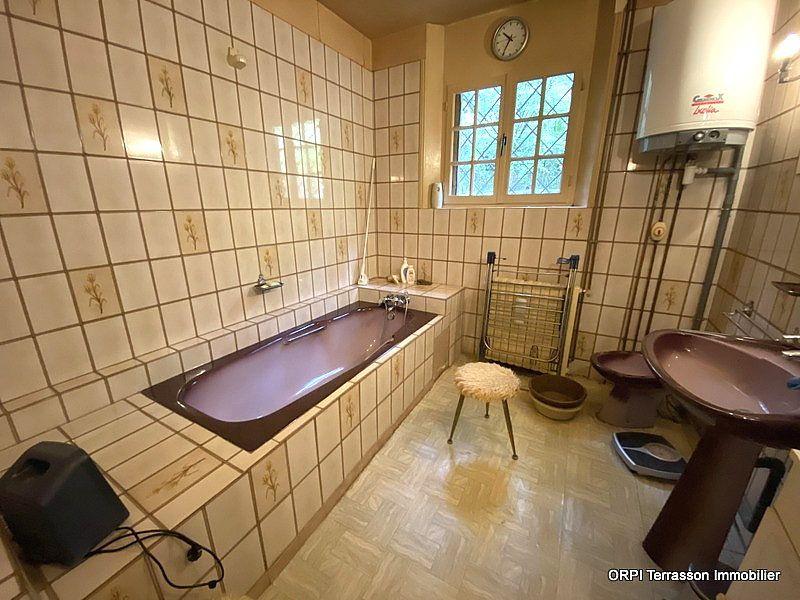Maison à vendre 4 138m2 à Terrasson-Lavilledieu vignette-5