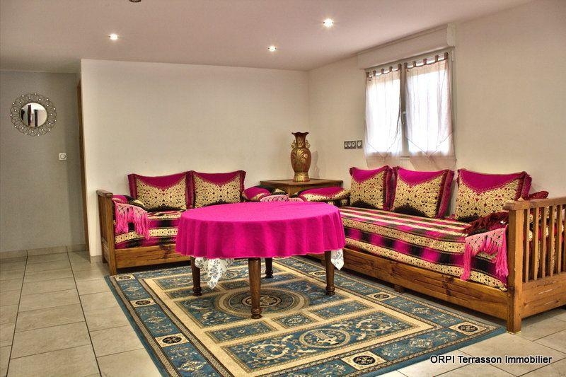 Maison à vendre 8 150m2 à Terrasson-Lavilledieu vignette-3