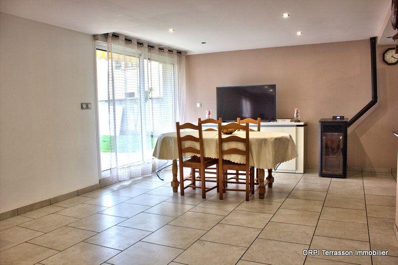 Maison à vendre 8 150m2 à Terrasson-Lavilledieu vignette-4