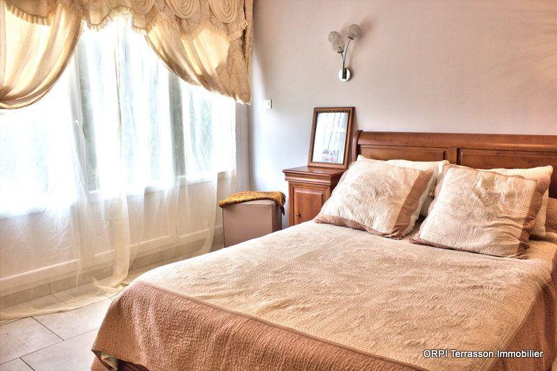 Maison à vendre 8 150m2 à Terrasson-Lavilledieu vignette-5