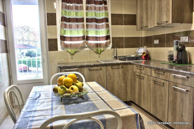 Maison à vendre 8 150m2 à Terrasson-Lavilledieu vignette-9