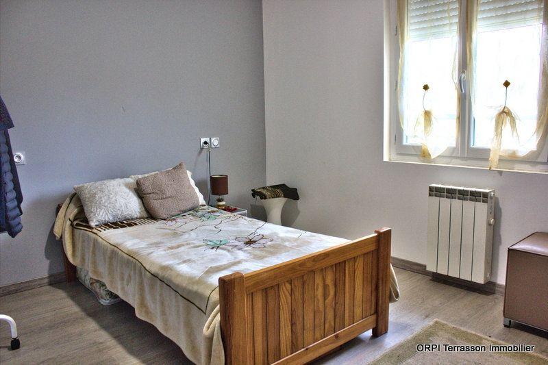 Maison à vendre 8 150m2 à Terrasson-Lavilledieu vignette-13