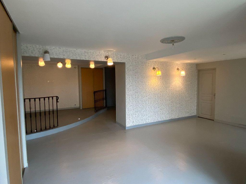 Maison à vendre 6 167m2 à Montignac vignette-10