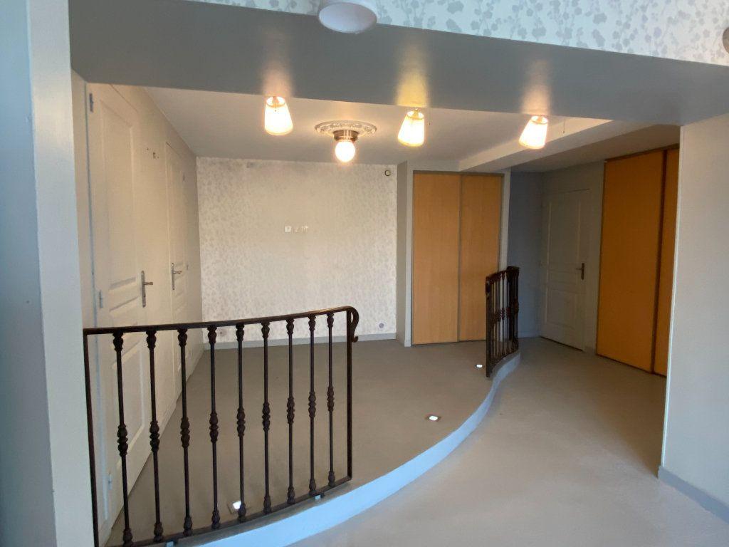 Maison à vendre 6 167m2 à Montignac vignette-11
