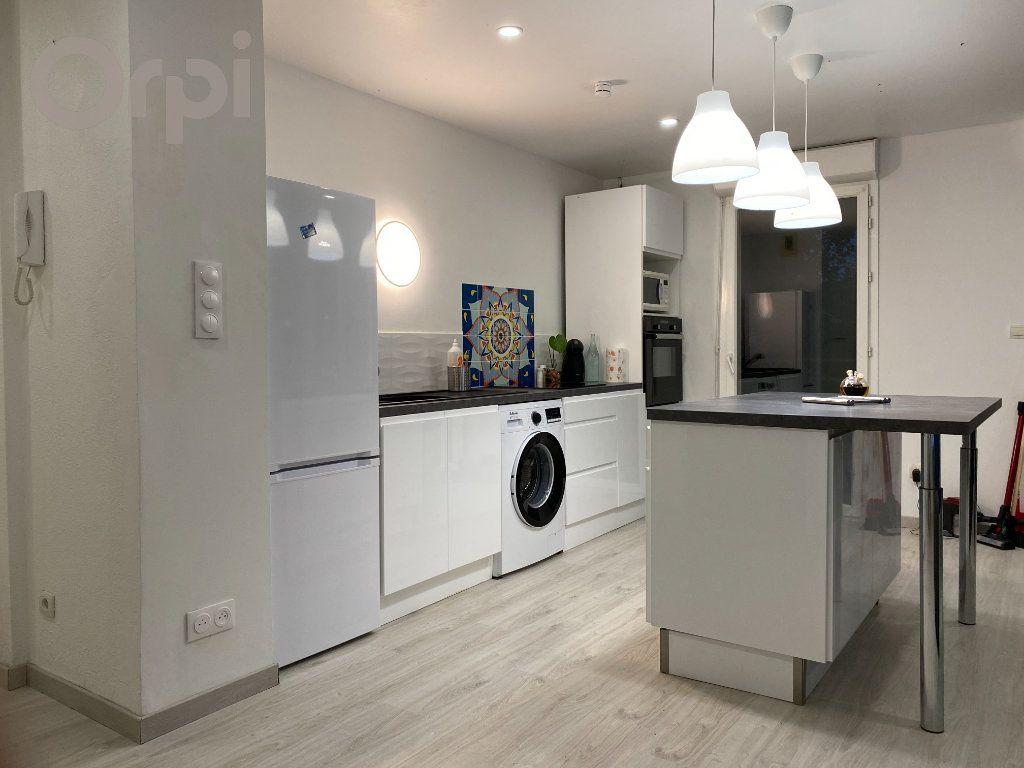 Appartement à vendre 3 64m2 à Terrasson-Lavilledieu vignette-1
