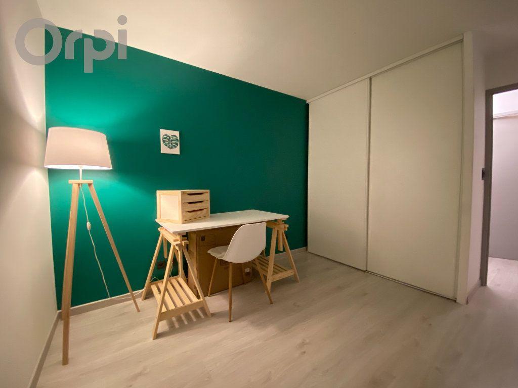 Appartement à vendre 3 64m2 à Terrasson-Lavilledieu vignette-4