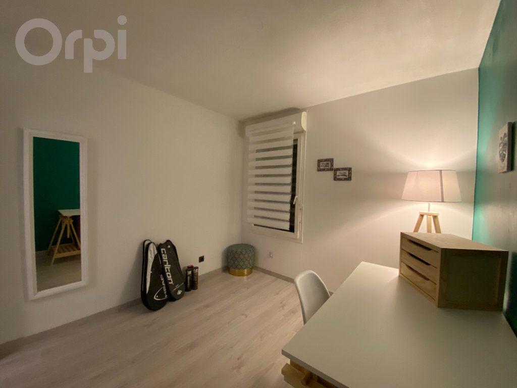 Appartement à vendre 3 64m2 à Terrasson-Lavilledieu vignette-5