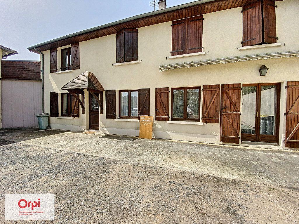 Maison à vendre 11 243m2 à Terrasson-Lavilledieu vignette-2