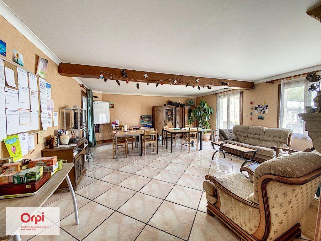 Maison à vendre 11 243m2 à Terrasson-Lavilledieu vignette-4