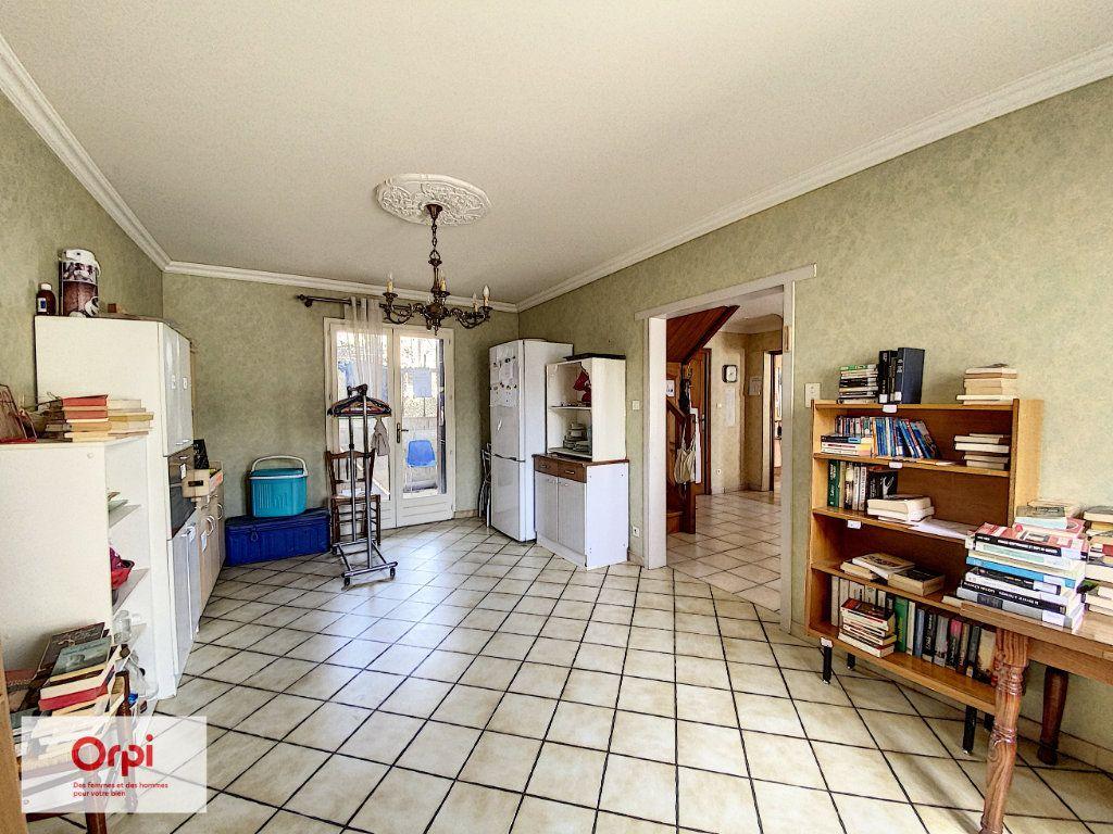 Maison à vendre 11 243m2 à Terrasson-Lavilledieu vignette-5
