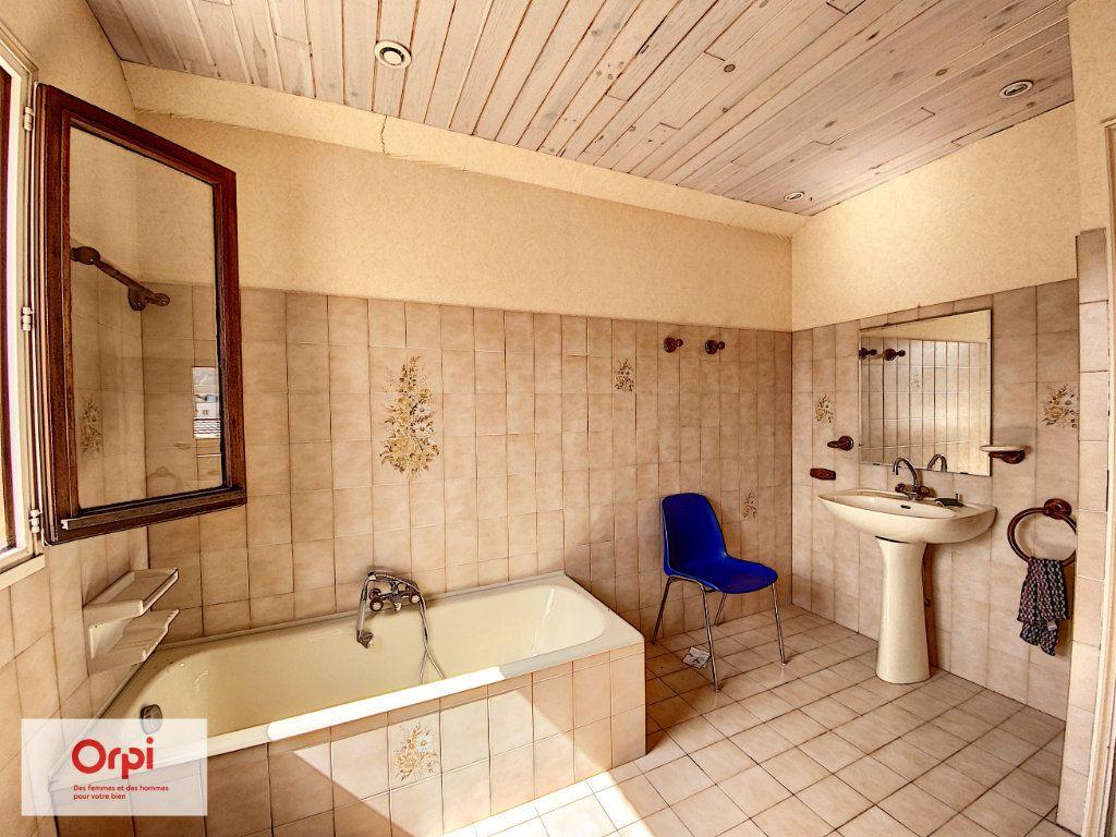Maison à vendre 11 243m2 à Terrasson-Lavilledieu vignette-8