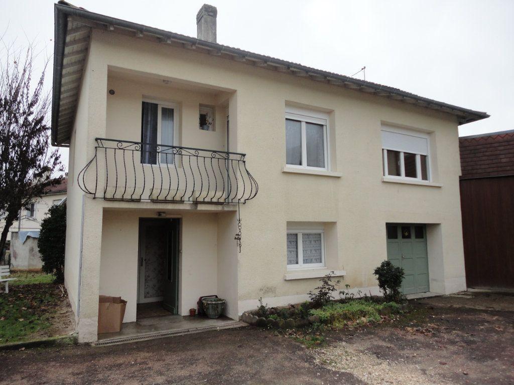 Maison à vendre 11 243m2 à Terrasson-Lavilledieu vignette-11