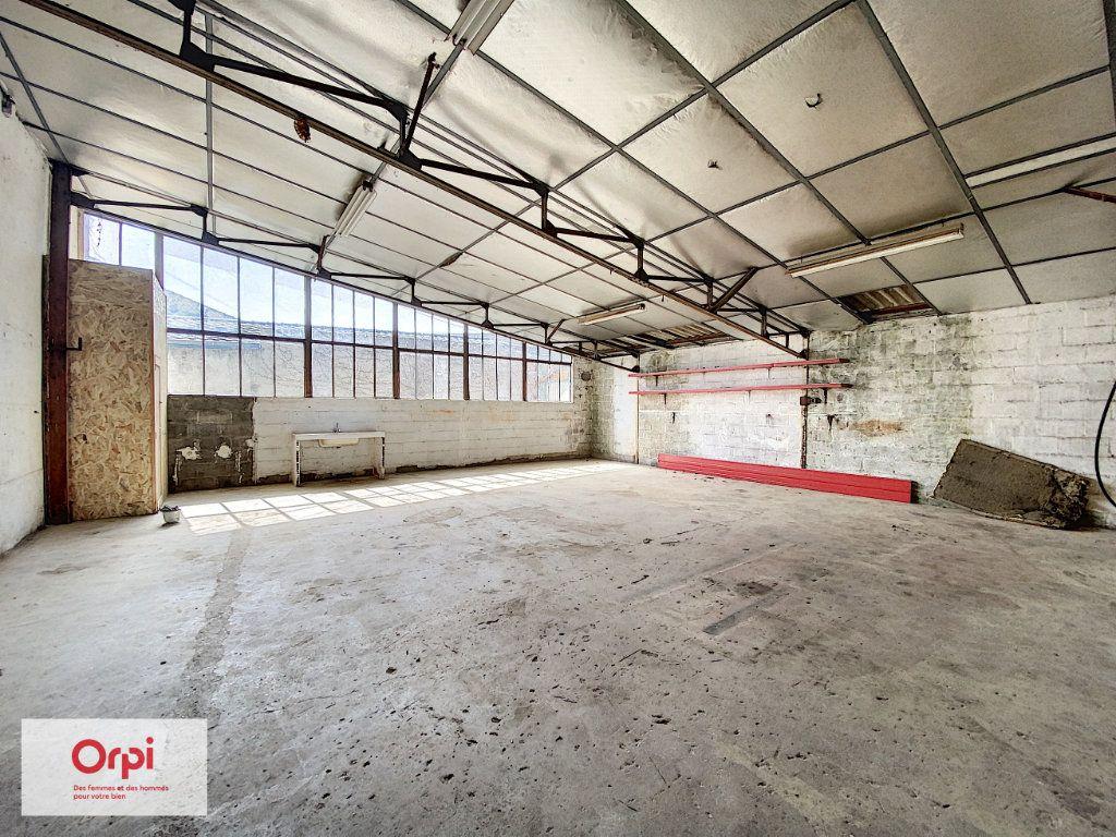 Maison à vendre 11 243m2 à Terrasson-Lavilledieu vignette-17