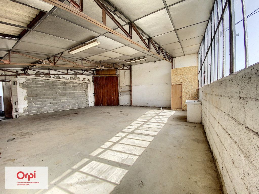 Maison à vendre 11 243m2 à Terrasson-Lavilledieu vignette-18