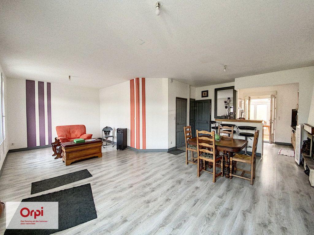 Maison à vendre 8 135m2 à Brive-la-Gaillarde vignette-3