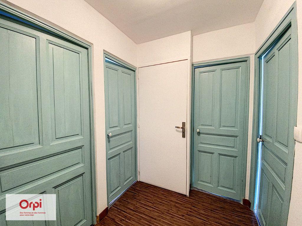 Maison à vendre 8 135m2 à Brive-la-Gaillarde vignette-8