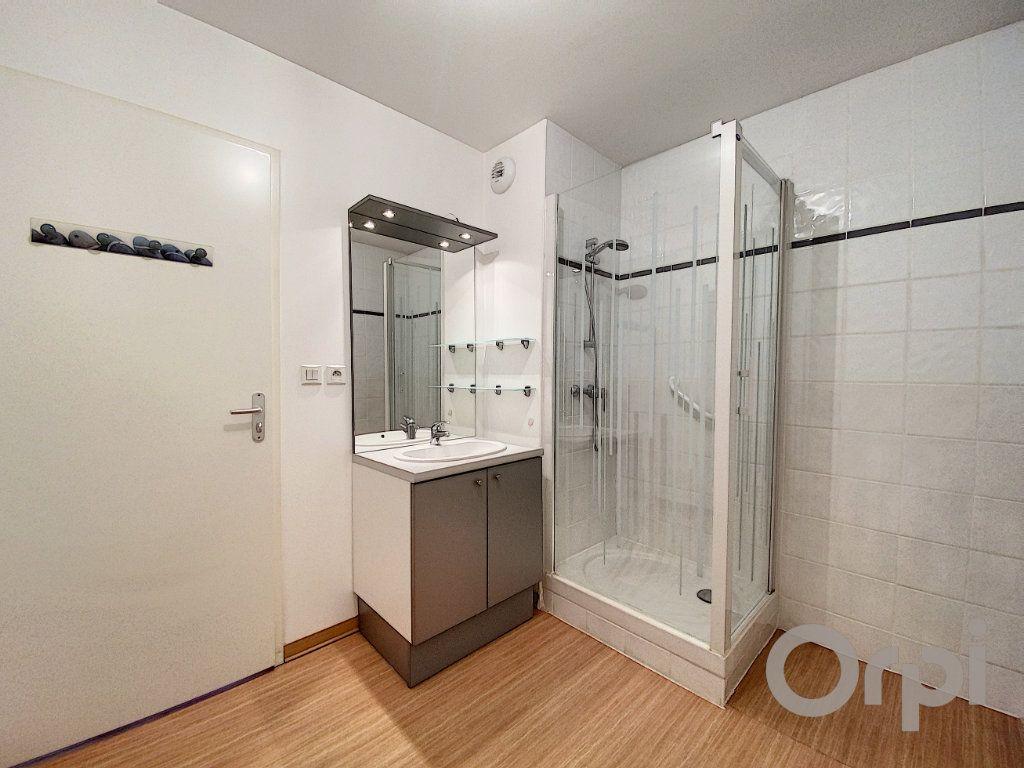 Appartement à vendre 3 61.2m2 à Terrasson-Lavilledieu vignette-6