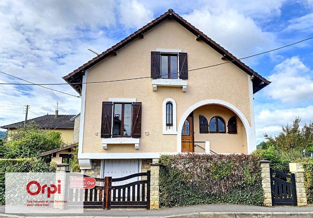 Maison à vendre 6 117m2 à Terrasson-Lavilledieu vignette-1