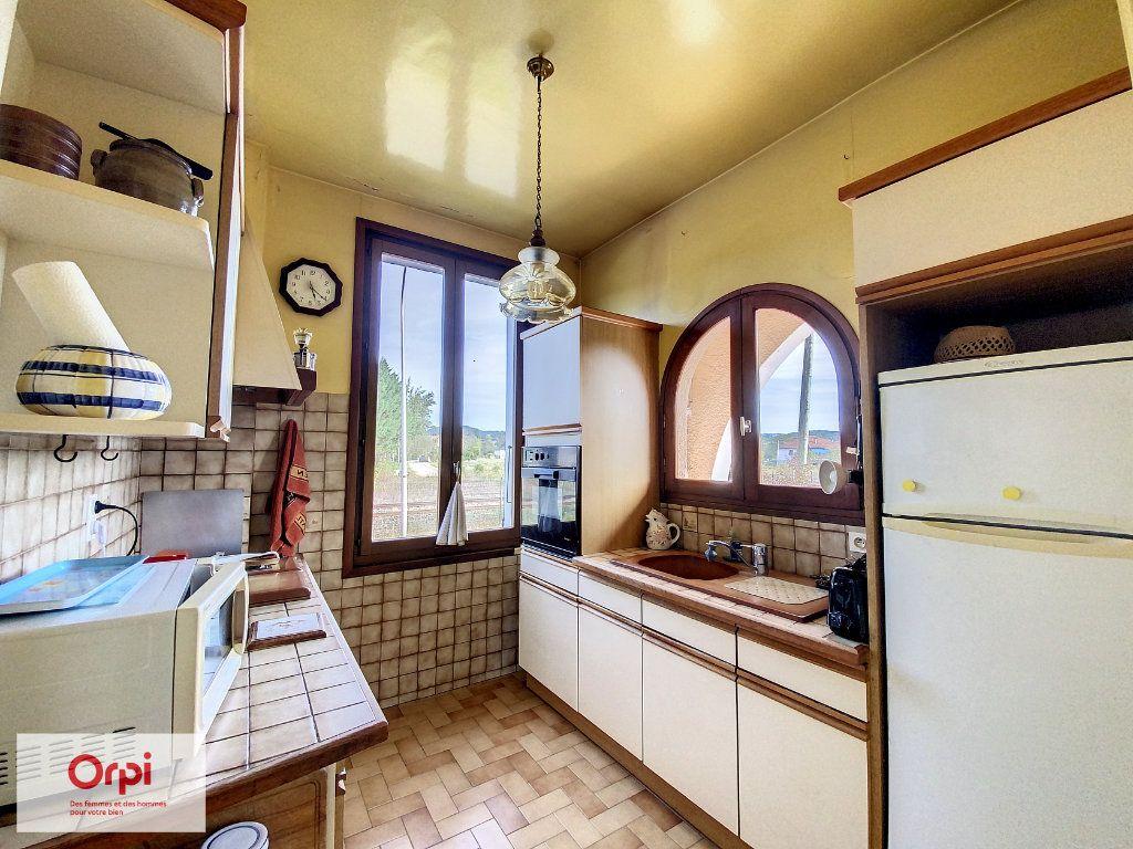 Maison à vendre 6 117m2 à Terrasson-Lavilledieu vignette-4