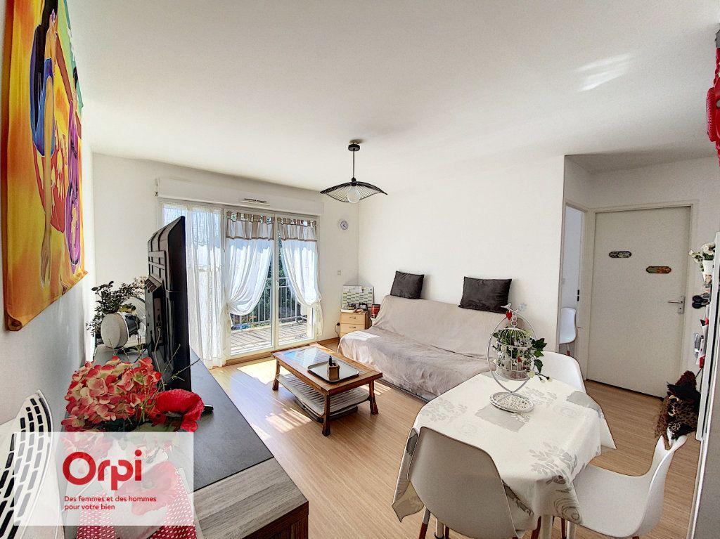 Appartement à louer 2 45.41m2 à Terrasson-Lavilledieu vignette-2
