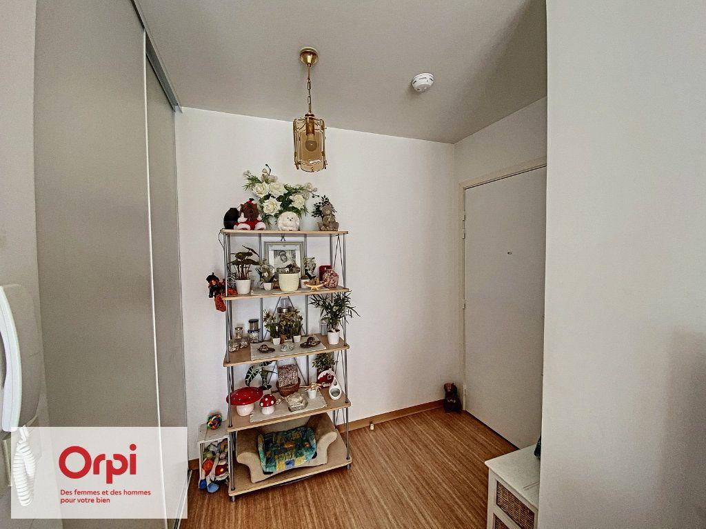 Appartement à louer 2 45.41m2 à Terrasson-Lavilledieu vignette-6