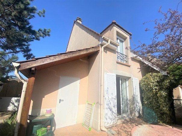 Maison à vendre 7 130m2 à Nozay vignette-4