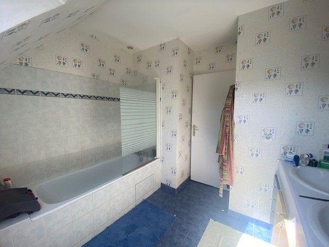 Maison à vendre 7 130m2 à Nozay vignette-9