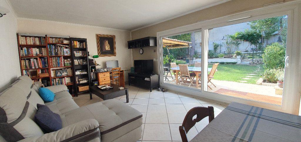 Appartement à vendre 4 78m2 à Saulx-les-Chartreux vignette-4