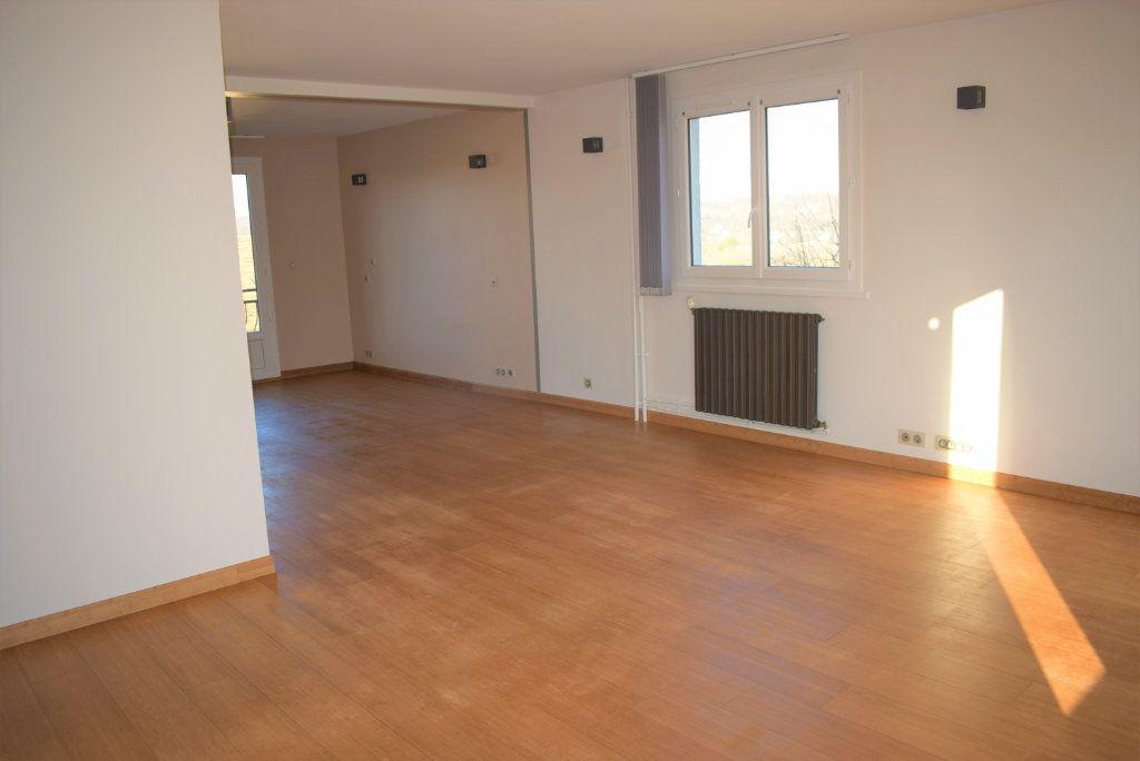 Appartement à vendre 4 83.68m2 à La Ville-du-Bois vignette-2