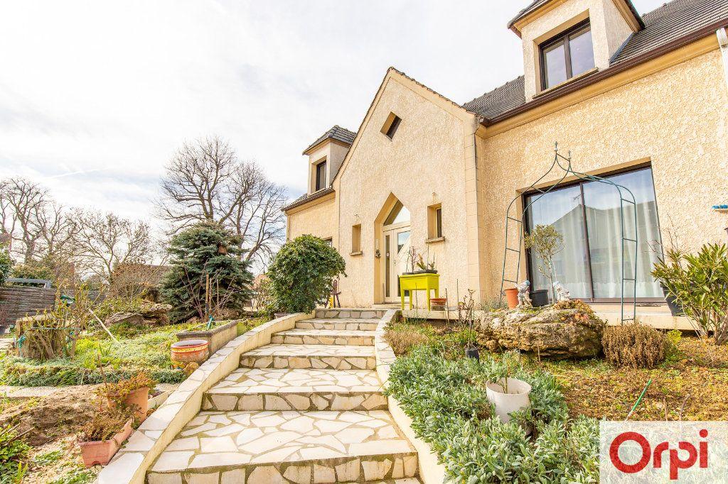 Maison à vendre 7 140m2 à Sainte-Geneviève-des-Bois vignette-2