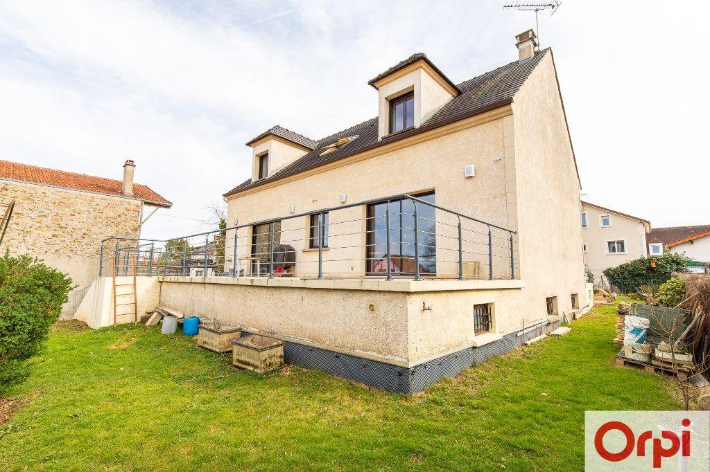 Maison à vendre 7 140m2 à Sainte-Geneviève-des-Bois vignette-3