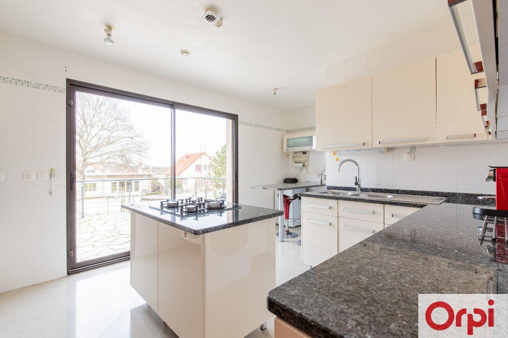Maison à vendre 7 140m2 à Sainte-Geneviève-des-Bois vignette-8