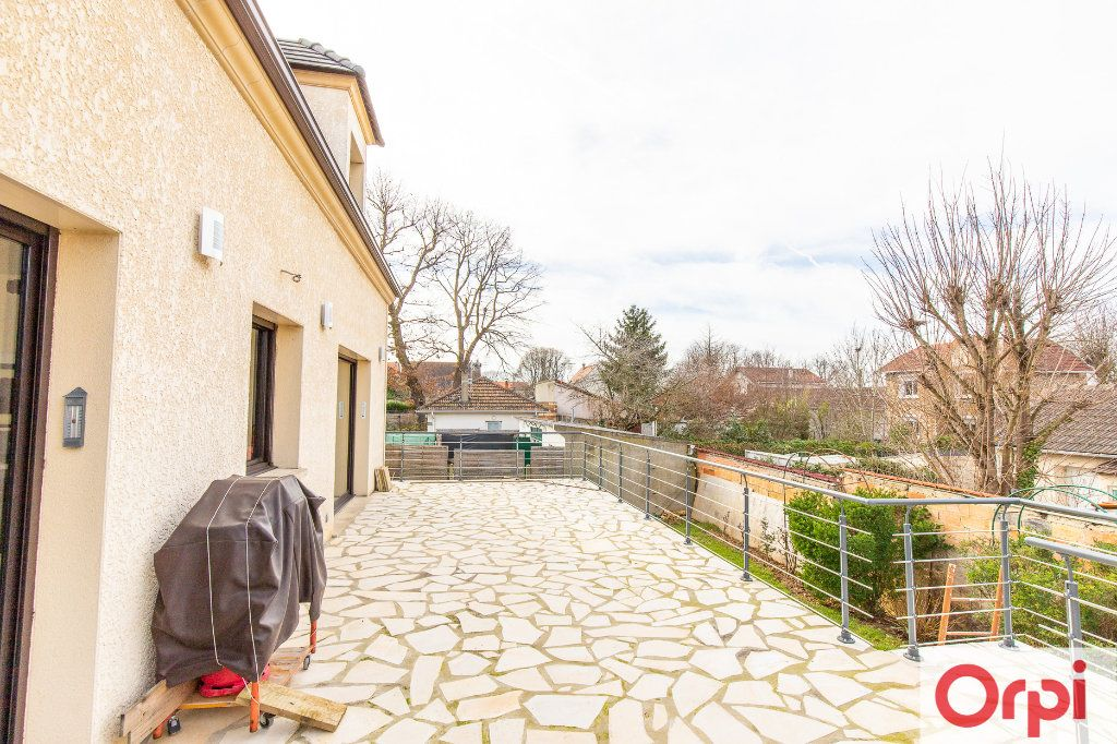 Maison à vendre 7 140m2 à Sainte-Geneviève-des-Bois vignette-11