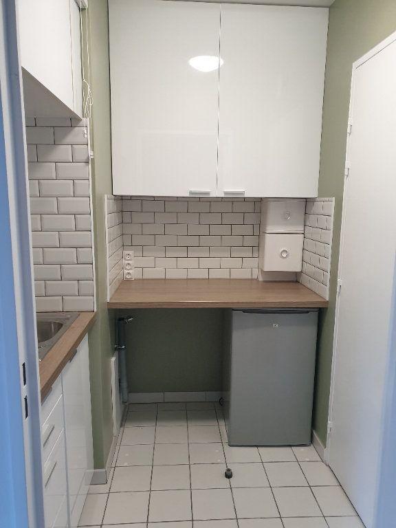 Appartement à louer 1 21.83m2 à Lagny-sur-Marne vignette-2