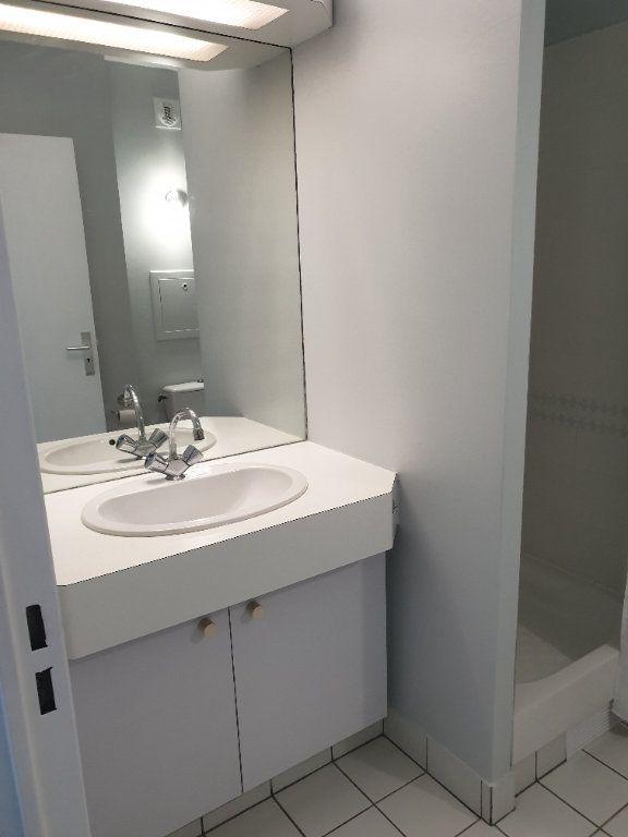 Appartement à louer 1 21.83m2 à Lagny-sur-Marne vignette-3