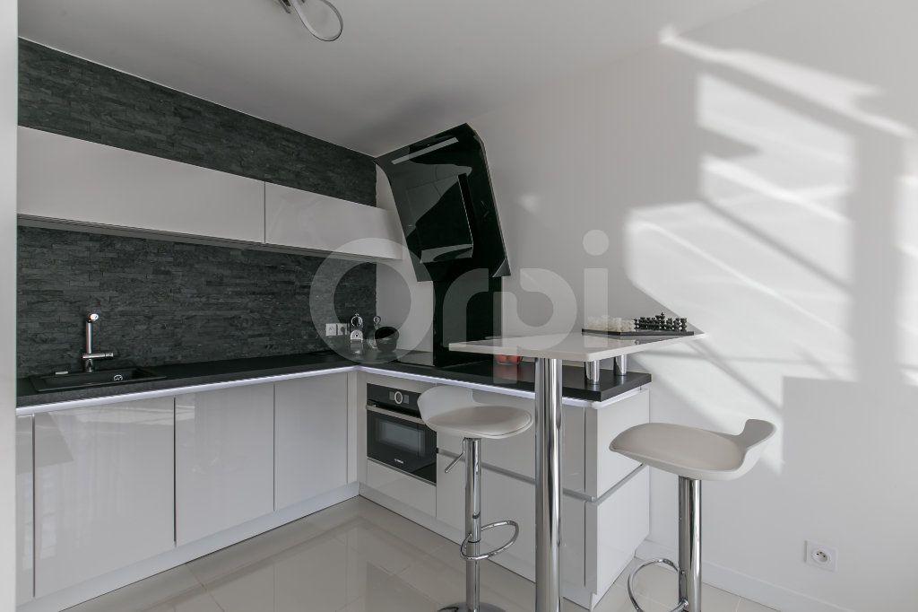 Appartement à vendre 3 62.9m2 à Montévrain vignette-2