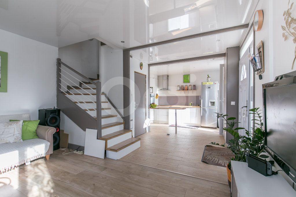 Maison à vendre 4 75.42m2 à Chalifert vignette-5