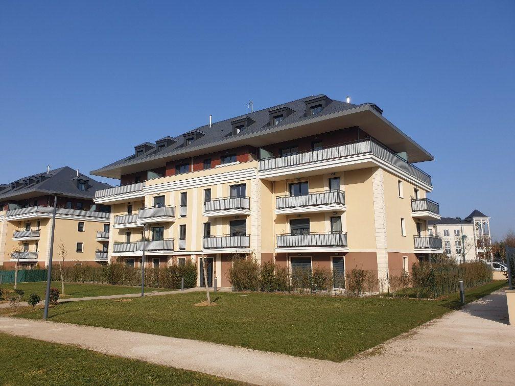 Appartement à louer 3 75m2 à Montévrain vignette-1