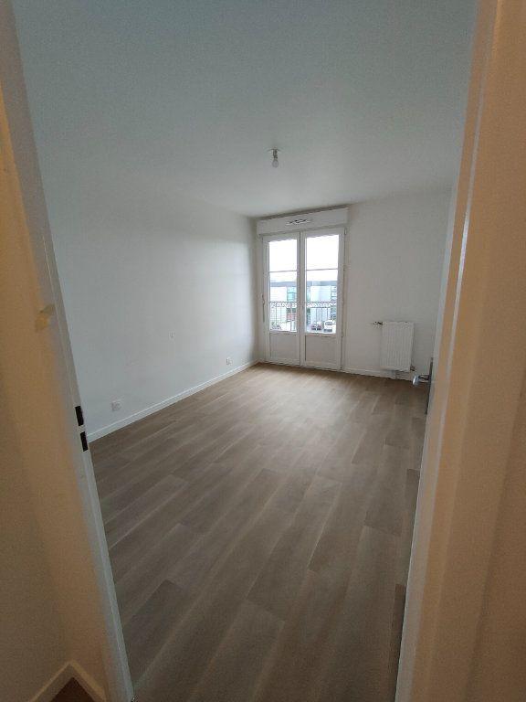 Appartement à louer 3 64.28m2 à Montévrain vignette-4