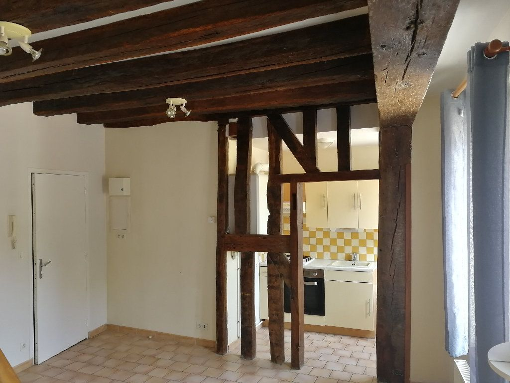 Appartement à louer 2 34.69m2 à Vendôme vignette-2