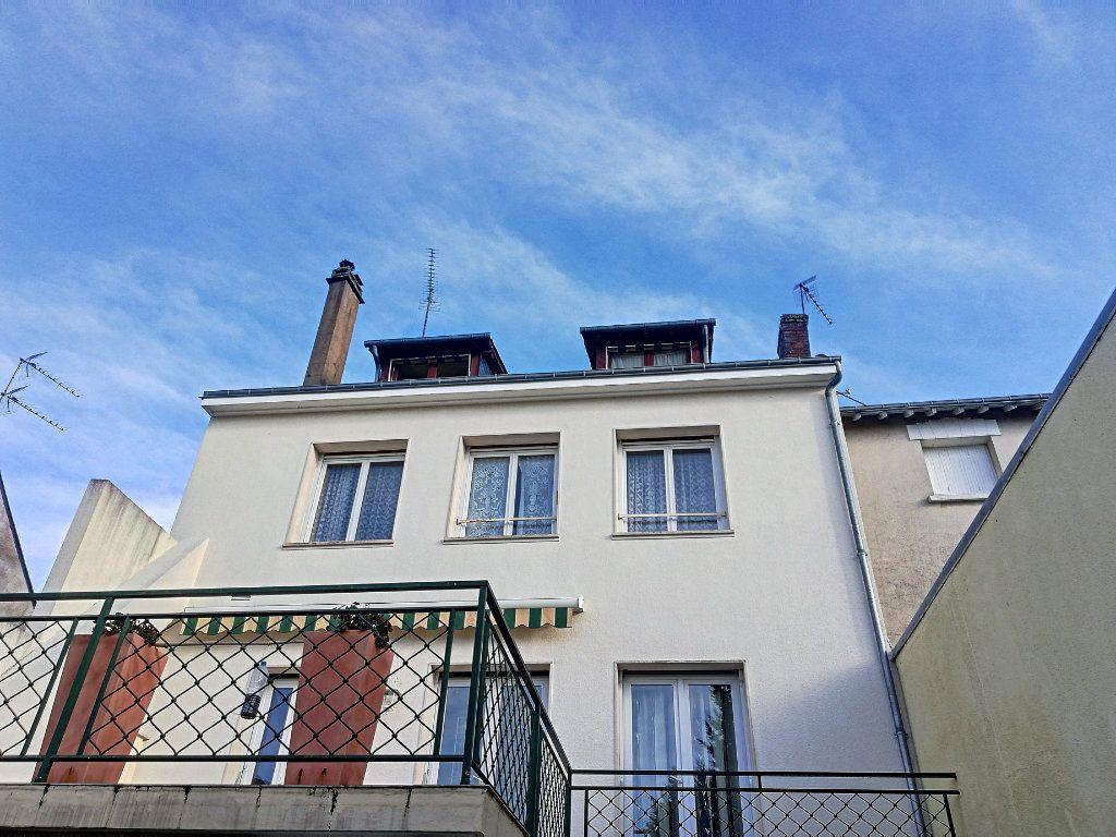 Appartement à vendre 4 90m2 à Vendôme vignette-1